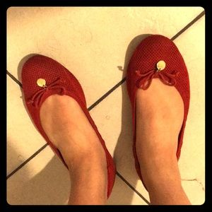 Red flexible flats